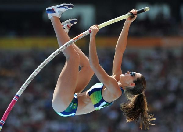 Fabiana Murer pole vaulting to success