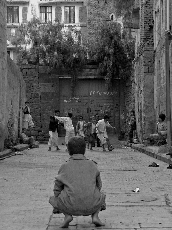 Street football in Sana'a, Yemen (Lara Kirk) #yemen #photography
