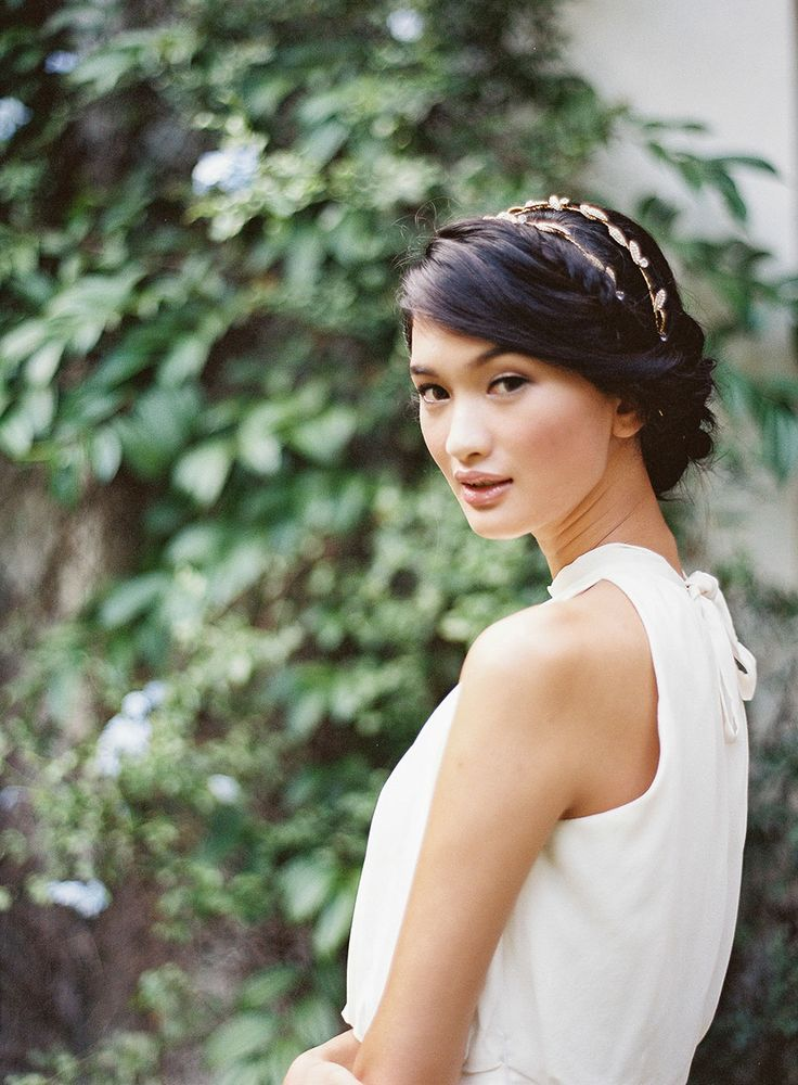 Inspired by a recent trip to rural China and his own heritage, Bryan of Beautiful Gatherings teamed up with The Wedding Scoop and Floral Magic to create a styled shoot that pays homage to Chinese culture. Shot by Brody Tan at Emily Hill, the model bride donned a stunning Qun Kua (or traditional Chinese dress) from House of Etiquette. Beautiful stationery by Pearlyn and Paper complemented the elegant styling, while hair and makeup by Charmaine Tok, a statuesque Love, Yu halter gown from The…