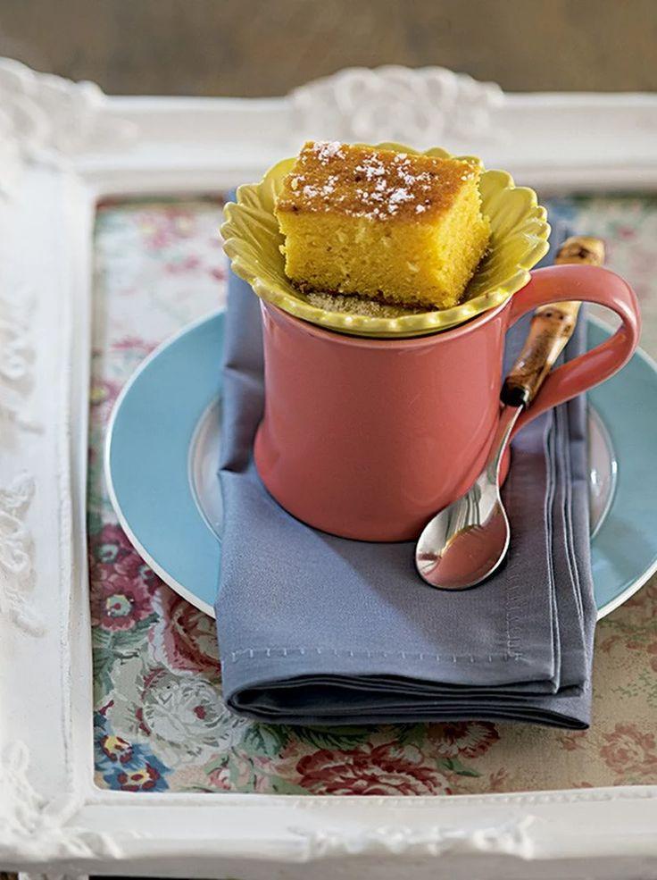 Tea Time in Brazil - Bolo de Fuba' com Côco