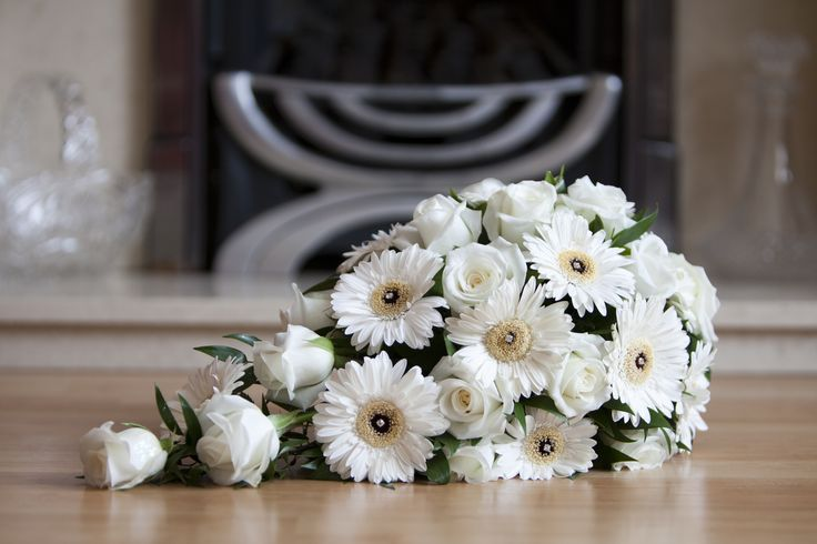 ivory gerbera and rose shower brides bouquet wedding florist www.flowerartbycatrin.com llanelli wales