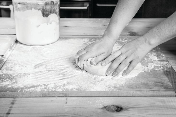 This easy-to-handle dough is the result of a lot of testing in the ANNA kitchen. Re-rolling the scraps more than once is not recommended– overworking toughens the dough.