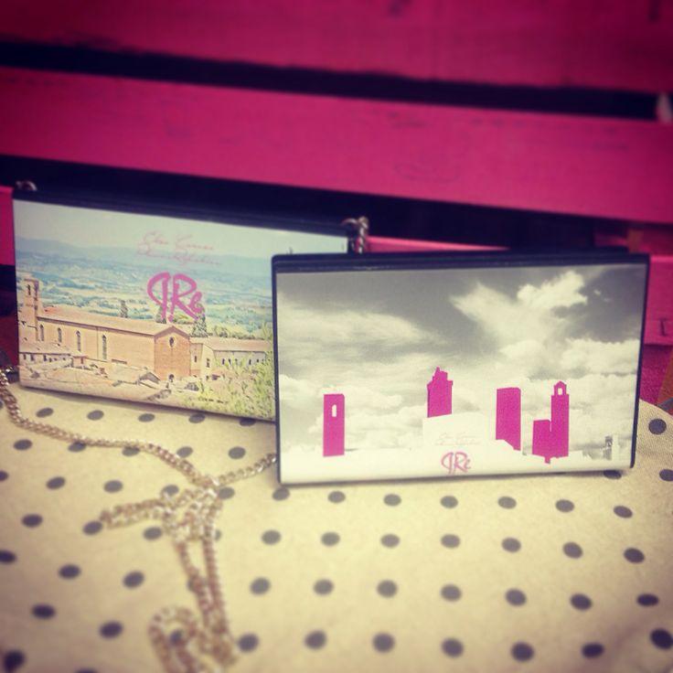 VHS Bags #elisacaruso #atelierpiazzasantagostino #sangimignano #bag #poshette #fashion #design #reuse #iphone #musthave #madeinitaly #handmade #tuscany #shop #instafashion #italianstyle #instagood #fashionbrand