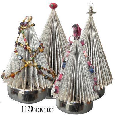 orecchini e gioielli 1129design - ispirazioni e divagazioni: Alberi di Natale riciclati da libri o riviste - Books & Magazines Christmas Tree