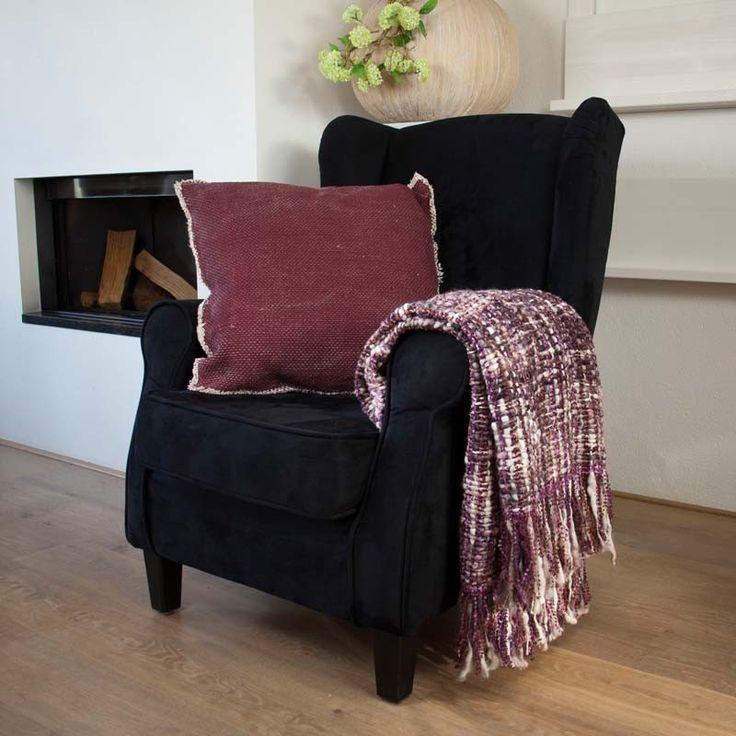 Dit plaid is een ware eyecatcher in uw interieur. Een prachtig kleed voor over uw bank of stoel als decoratie,maar ook heerlijk om even onder te kruipen.