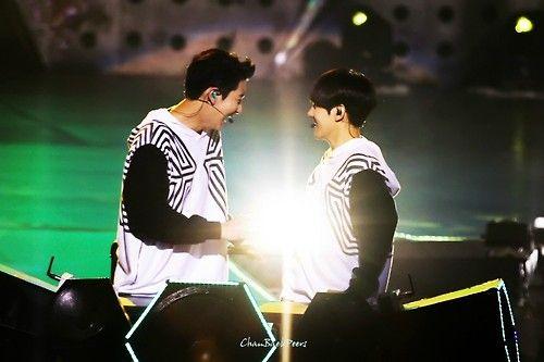 Baekhyun showing Chanyeol his powers?