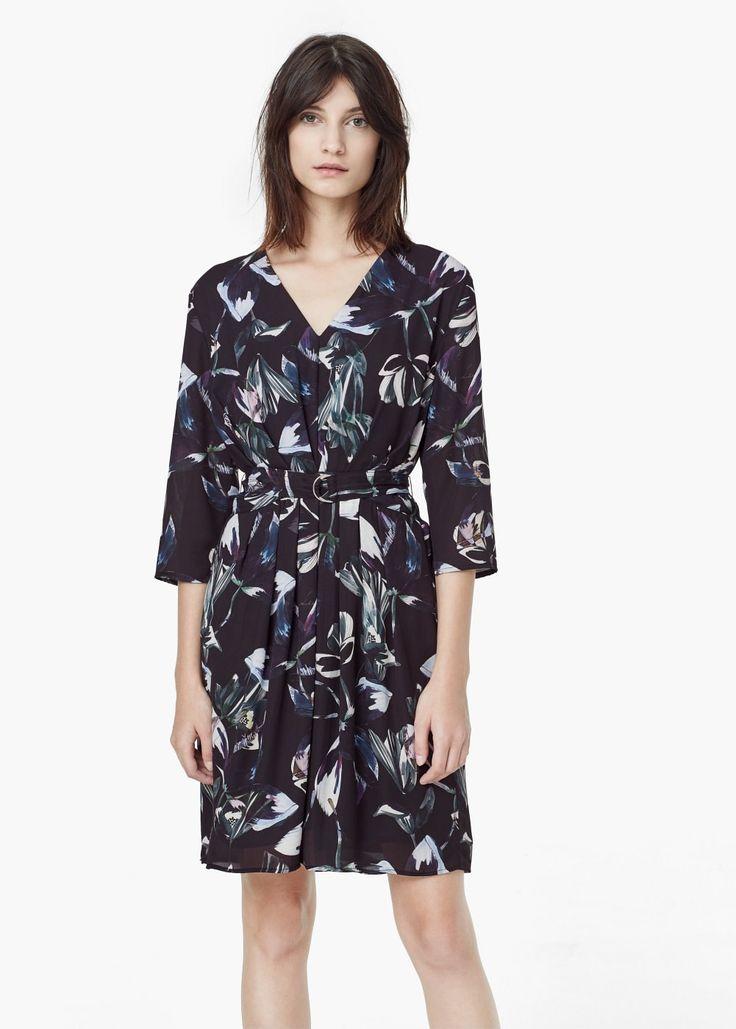 die 25 besten ideen zu blumendruck kleider auf pinterest lila kleid l ssig und blumenkleid. Black Bedroom Furniture Sets. Home Design Ideas
