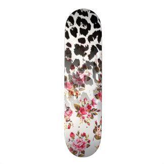 Estampado de animales rosado femenino del leopardo monopatin personalizado