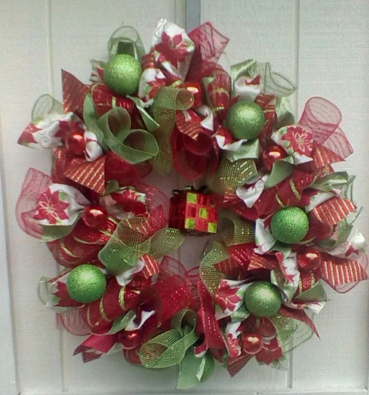 how to make wire mesh ribbon wreaths