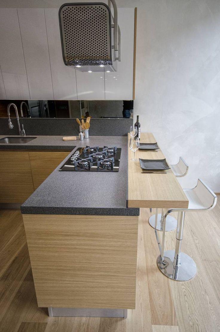 Oltre 25 fantastiche idee su arredo interni cucina su pinterest progettazione di una cucina - Bancone cucina legno ...