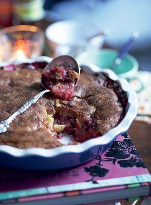 Bagt æblegrød med solbær og vaniljeis - Frugt og baer - Dessert - Mad