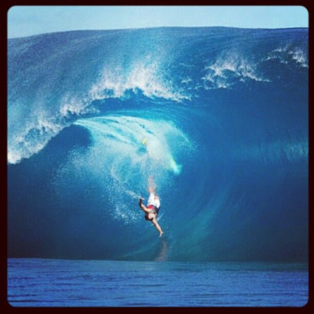 Surf team member Christian Redongo taking a hard wipeout at Teahupoo, Tahiti.  www.pipeline gear.com
