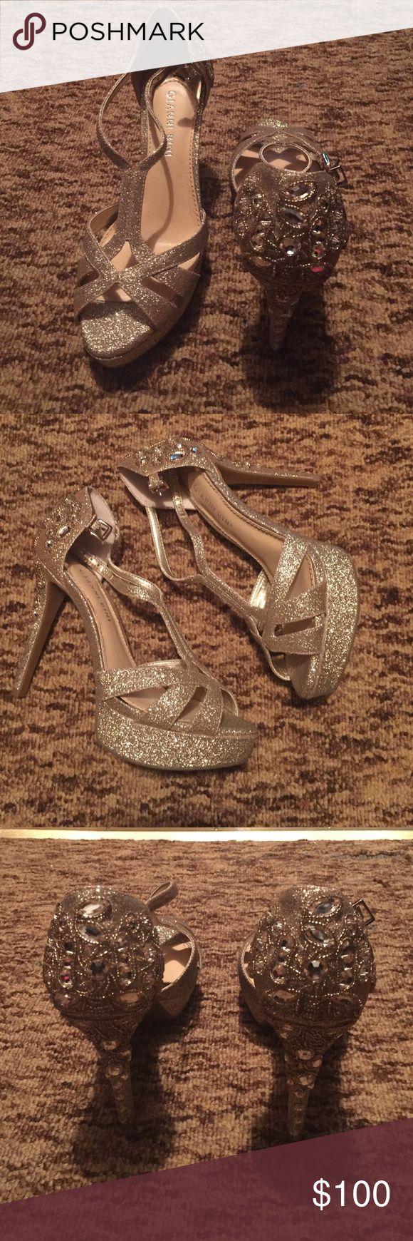 Gianni Bini Gold Platform Heels Gianni Bini Gold Platform Heels: only worn 1 time (prom). In great condition! Gianni Bini Shoes Heels