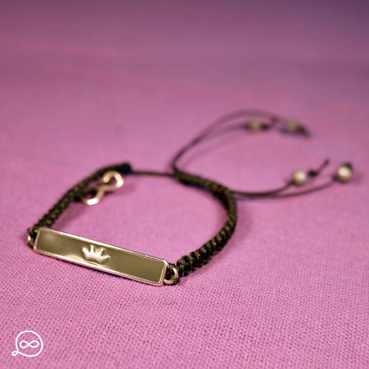 Metal Crown Tag Bracelet. #tufatufa