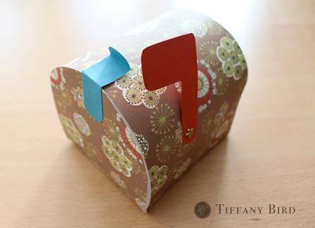 Hermoso buzón para hacer en papel o cartulina con moldes (de la web)