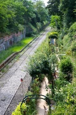 Paris secret : Nouveaux jardins sur l'ancienne Petite Ceinture dans le 18e - Puces de Clignancourt - jardins partagés - food-trucks - Time Out Paris