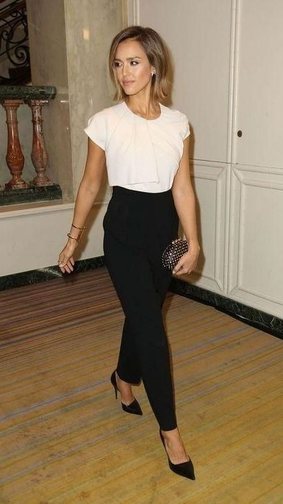 Here's everything you should have in your closet by age 30 - do you own all these pieces? (Jessica Alba's simple black heels are a must!)
