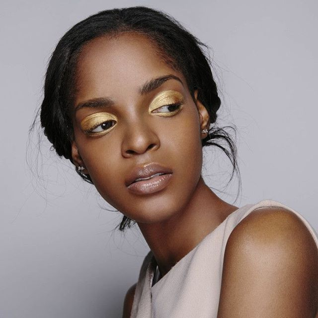 Your Friday night beauty look sorted#MACcosmetics Senior Artist Jane McKay took a gilded approach at @paulhardydesign during #FashionCAN this week.  via ELLE CANADA MAGAZINE OFFICIAL INSTAGRAM - Fashion Campaigns  Haute Couture  Advertising  Editorial Photography  Magazine Cover Designs  Supermodels  Runway Models