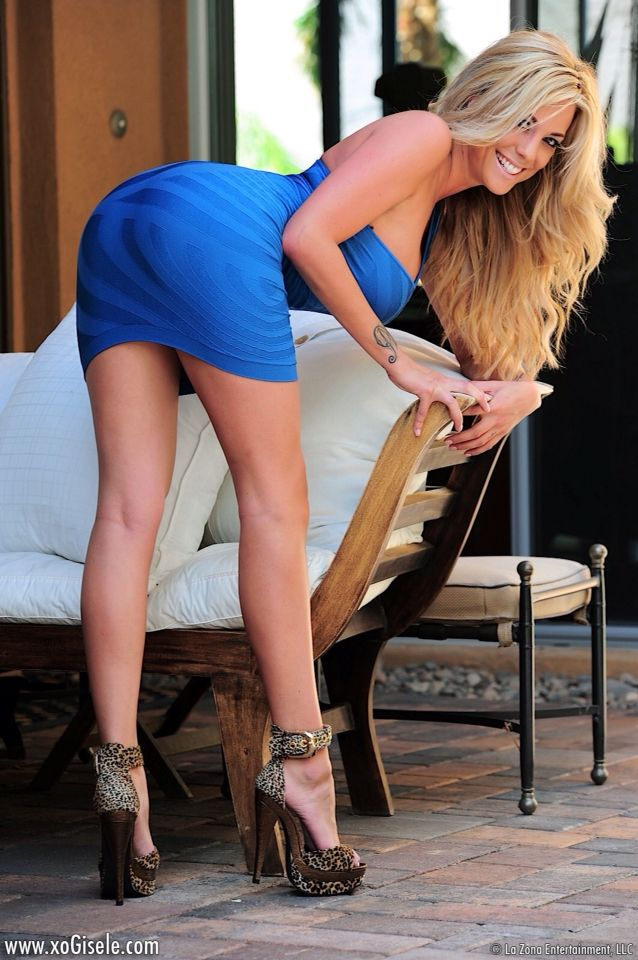 Xo Gisele in a tight dress | babes | Pinterest