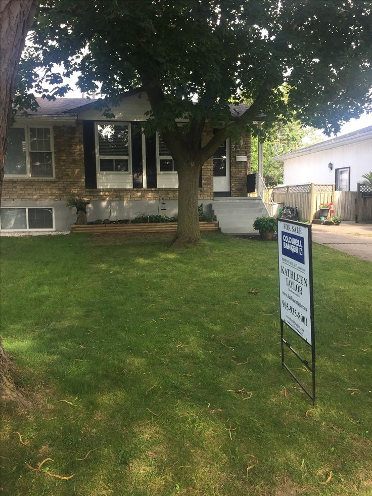 31 Barry Street all renovated and updated, can't beat the price $307,900 St.catharines ON #niagararealestate