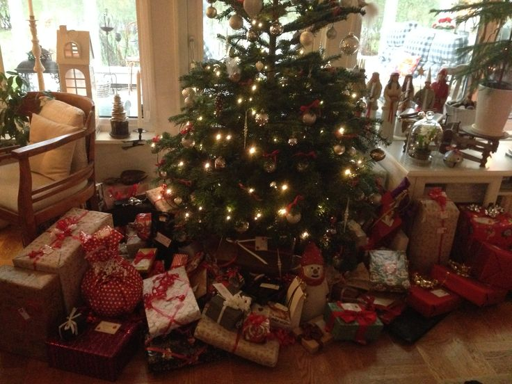 Christmastree and presents