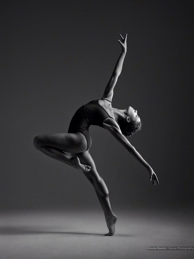 Modern dance photography black and white for Modern black and white photography
