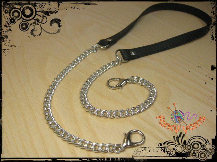 Tracolla in ecopelle nera e catena argento, cm.100 di Fancy yarns su DaWanda.com