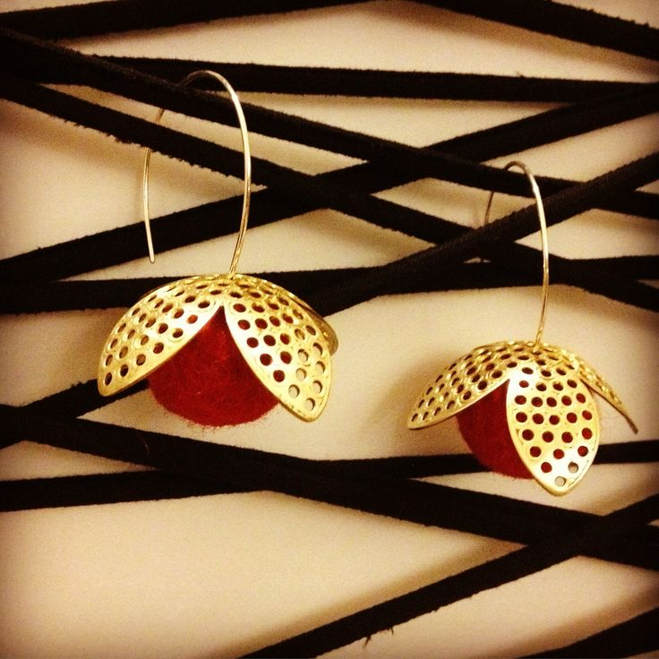 Brass and red felt earrings with silver details