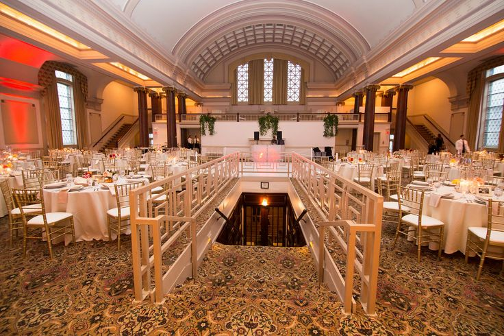 Tips To Dress Up Your Wedding Reception Tables │ Markel Wedding Insurance