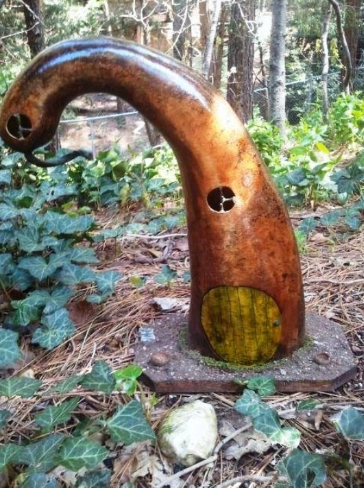 A very cool gnome home: Fairies Gardens, Growing Gourds, Gardens Gnomes, Fairies Houses, Gnomes Gourds, Gnomes Gardens, Fairies Gnomes, Gnomes Home Maybe, Fairies Stuff
