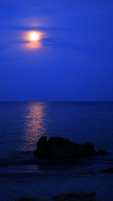 Riflessi lunari spiaggia di Cala Liberotto (Orosei) in una notte di luna piena