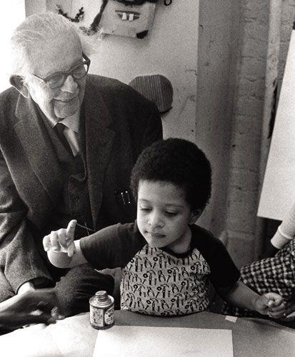 Piaget bestudeerde de cognitieve ontwikkeling van kinderen. Dat wil zeggen dat  hij de leerprocessen en  het  denkvermogen van kinderen bestudeerde