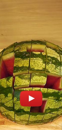 Coupe et présentation de melon parfaite http://rienquedugratuit.ca/videos/coupe-et-presentation-de-melon-parfaite/