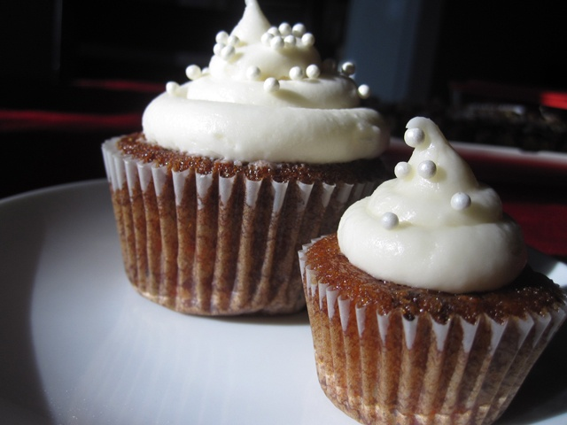 Rum Raisin Carrot Cupcakes | choc and other yummies | Pinterest
