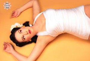 Posing tips for your pinup photo shoot