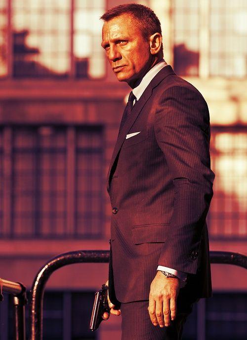 Daniel Craig...Skyfall 007