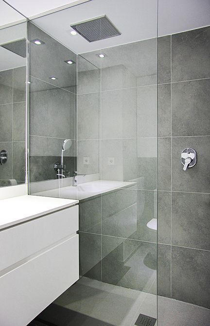 bathroom gray and white m 225 s de 25 ideas incre 237 bles sobre ba 241 os modernos en 15985