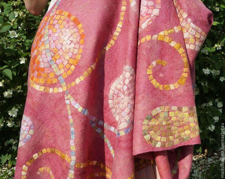 """Купить """"Мозаичный розовый"""" палантин валяный - палантин валяный, тёплый подарок, арт-объект"""