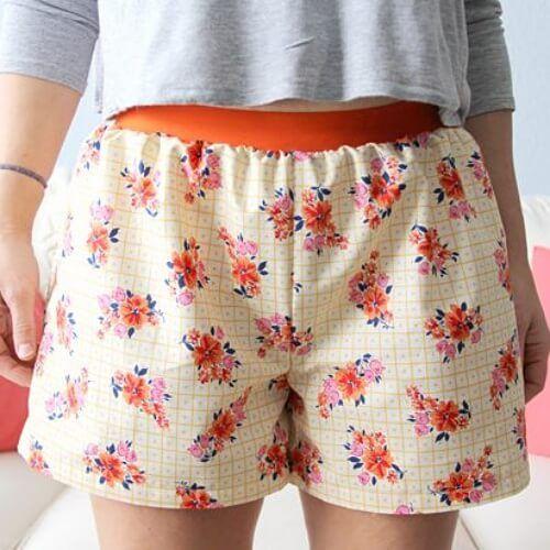 Einfache Damen-Shorts