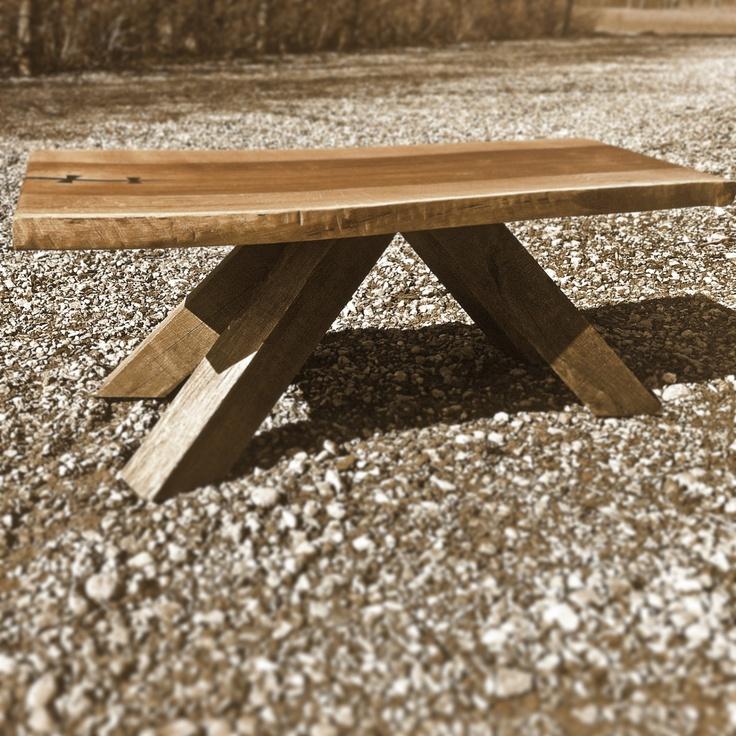 Rustic coffee table by MUDAHULA