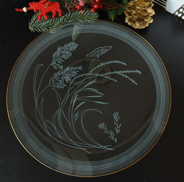 1950er Tortenplatte, Glas Servierteller, Vintage Kuchenplatte, weiße Ornamente, Mid-Century  Ref: VLS193