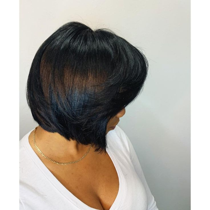 """@la.stevens on Instagram: """"#naturalhair THEY CALL ME BOBBY✔️ This shape baby ! Wispy X blunt not everyone can get it. #healthyhair #haircare #prettyhair #cut #bobcut…"""""""