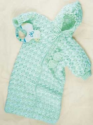 Bunting Bag | Yarn | Free Knitting Patterns | Crochet Patterns | Yarnspirations
