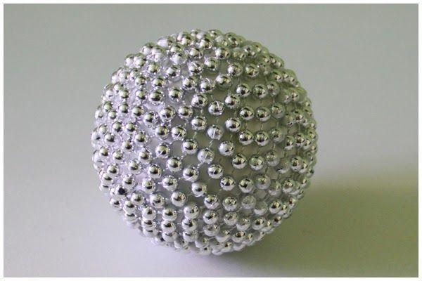 La neurona del manitas: Bolas para el árbol de Navidad Vol. 3: Porexpan y cadeneta