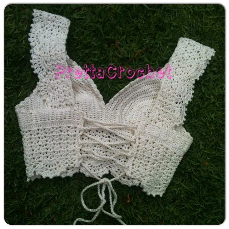 "Lovely lace cropped top / bustier ""Cropped Princess"" - Back (corset lacing) ~~ Pretta Crochet:"