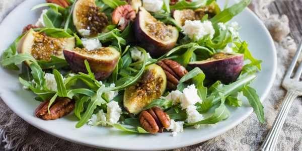 Baby Arugula Salad with Figs and Pecans — thewarriorwife.com blog