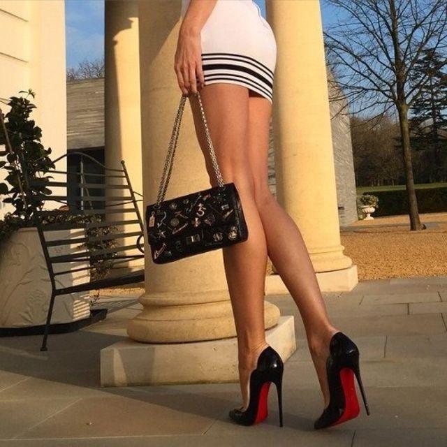 Women Wearing Sexy Shoes 26