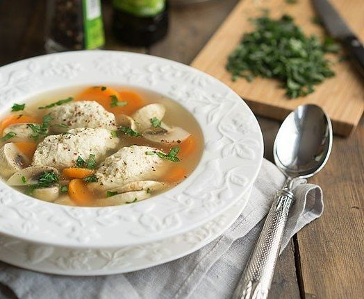 Chicken soup with quenelles