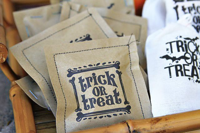 Print or stamp then sew paper treat bags for friends.  Would be good for birthday parties loot bags too.
