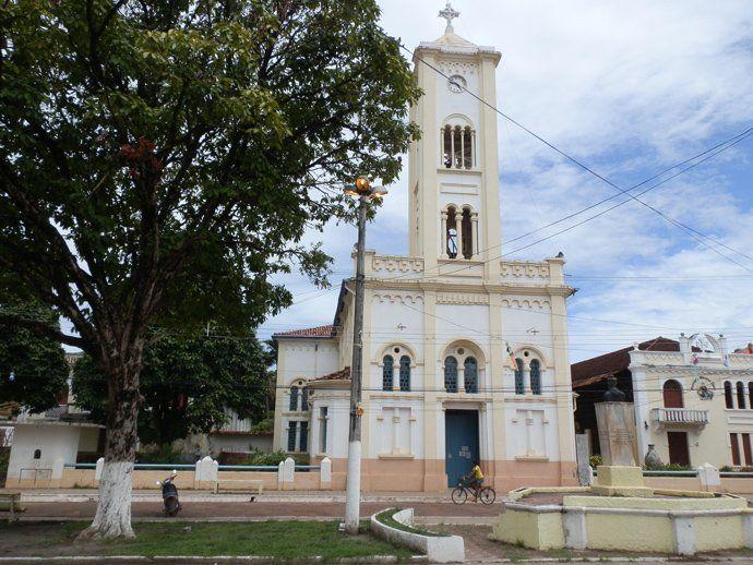 église soure île marajo au brésil - blog voyage trace ta route http://www.trace-ta-route.com/ma-premiere-fois-ile-marajo-bresil/ #tracetaroute #bresil #marajo